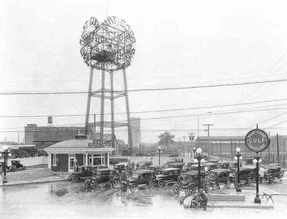 J+B-107_Gulf-station_1925