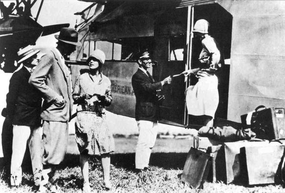 TFC3-069_Pan-Am-air-passengers-boarding_1928
